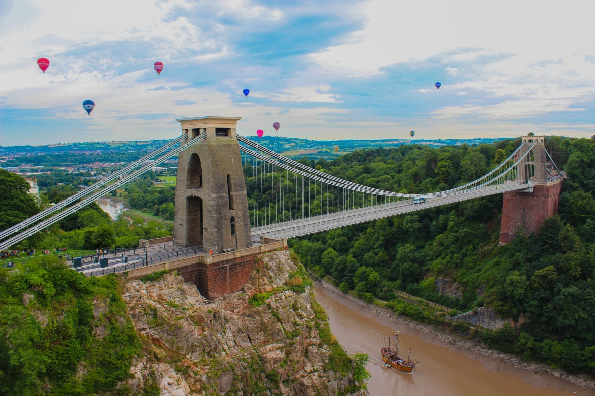 Clifton Suspension Bridge with the Matthew and balloons during the Balloon Fiesta